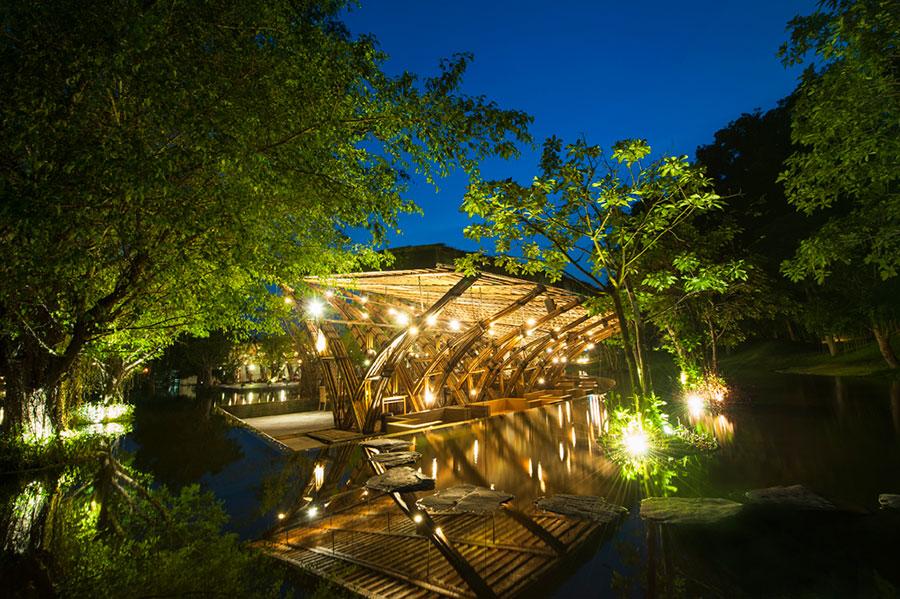 Nhà hàng tre Bamboo Wing