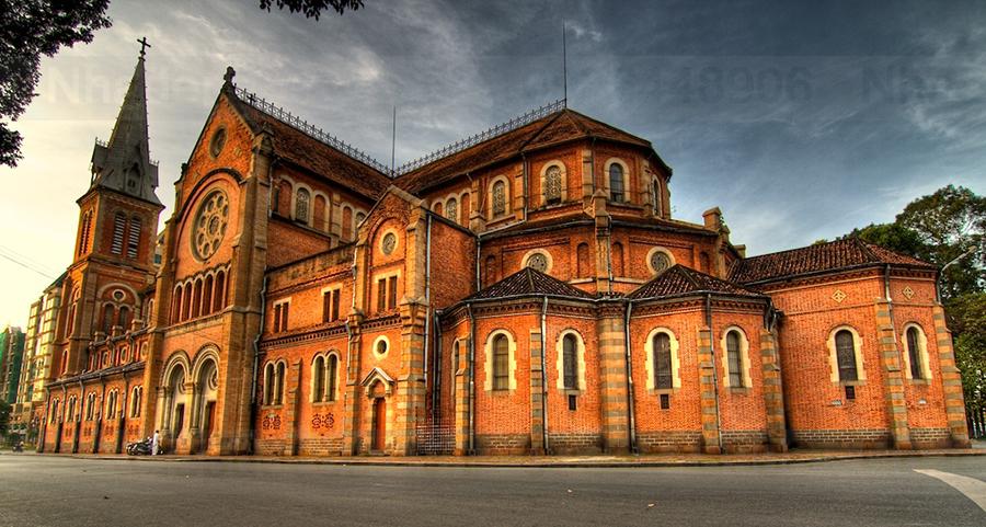 Nhà thờ chính tòa Đức Bà Sài Gòn