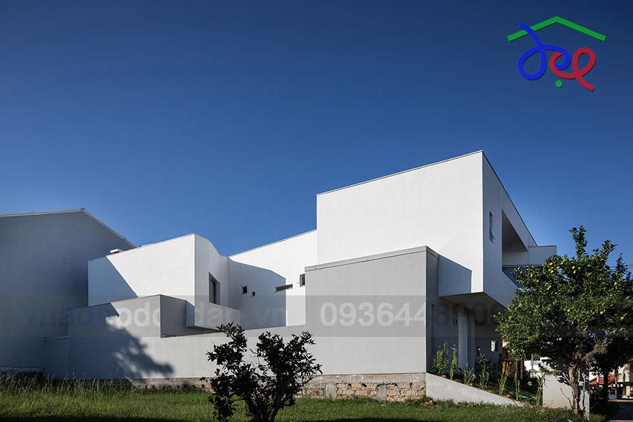 Thiết kế biệt thự 2 mặt tiền tại Brazil