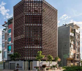 Thiết kế nhà phố 5 tầng mặt tiền hai lớp độc đáo