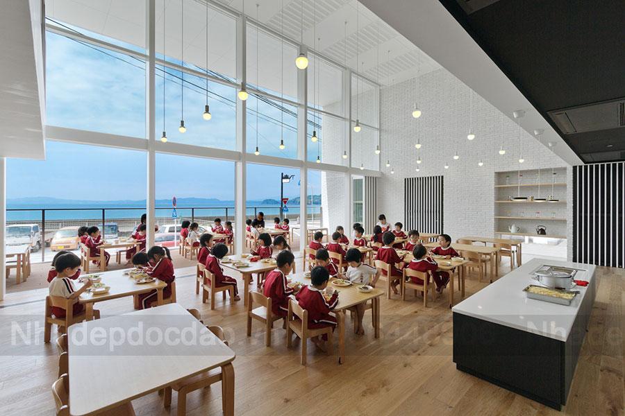 Thiết kế trường mầm non 3 tầng hướng biển gần với thiên nhiên