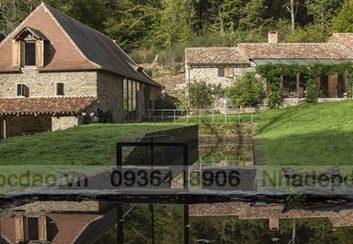 Thiết kế nhà nghỉ giữa núi rừng nước Pháp