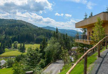 Thiết kế nhà nghỉ sang trọng bằng gỗ trên núi tại Áo