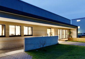 Thiết kế trường mầm non 2 tầng kiểu nhà máy đầy sáng tạo